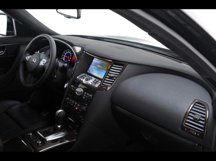 2009-CRD-Nissan-Infiniti-FX-Concept-Car-Dashboard-1280x960